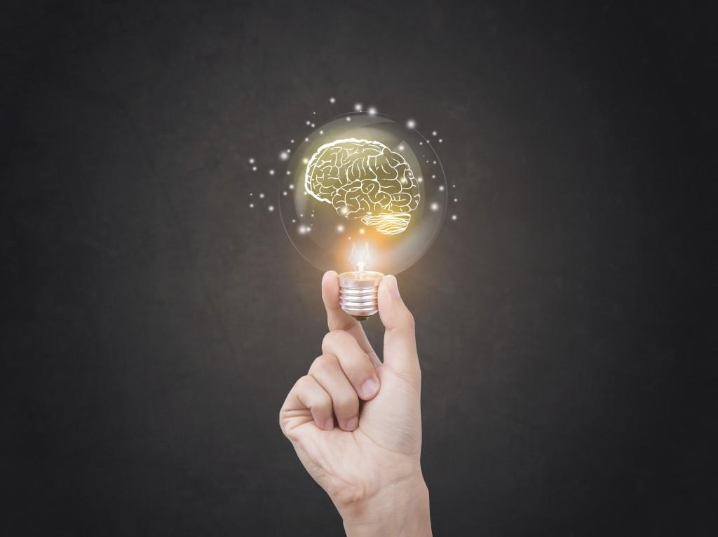 Brain and lightbulb