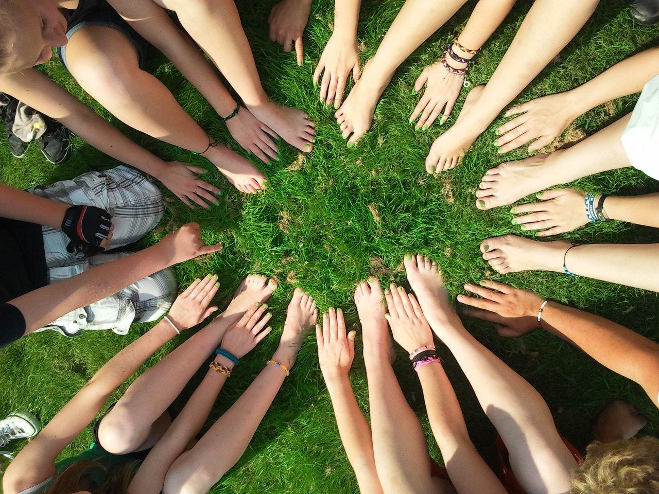 hands huddle
