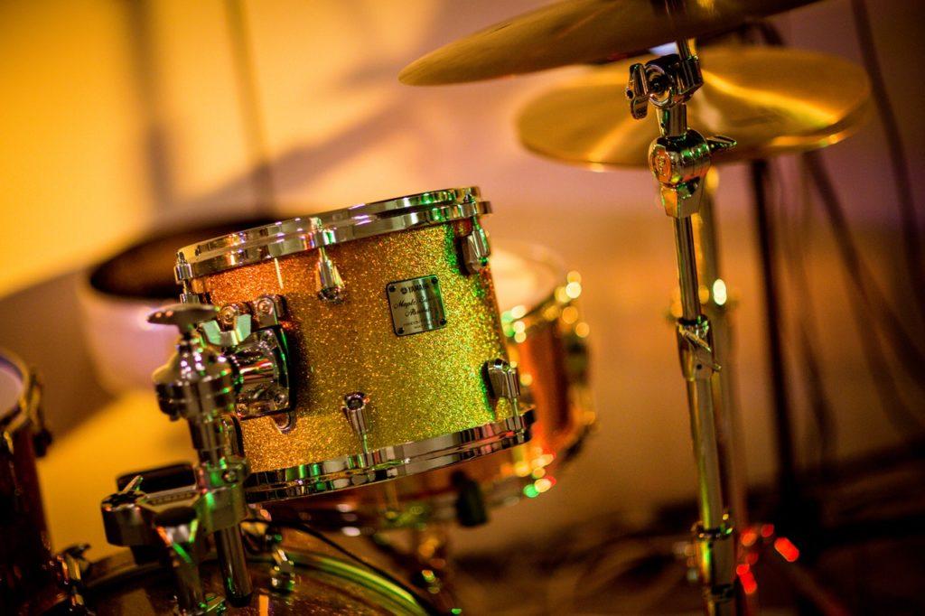 golden drumset
