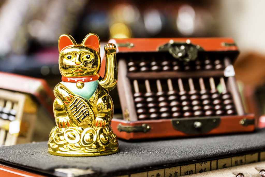 lucky cat and abacus