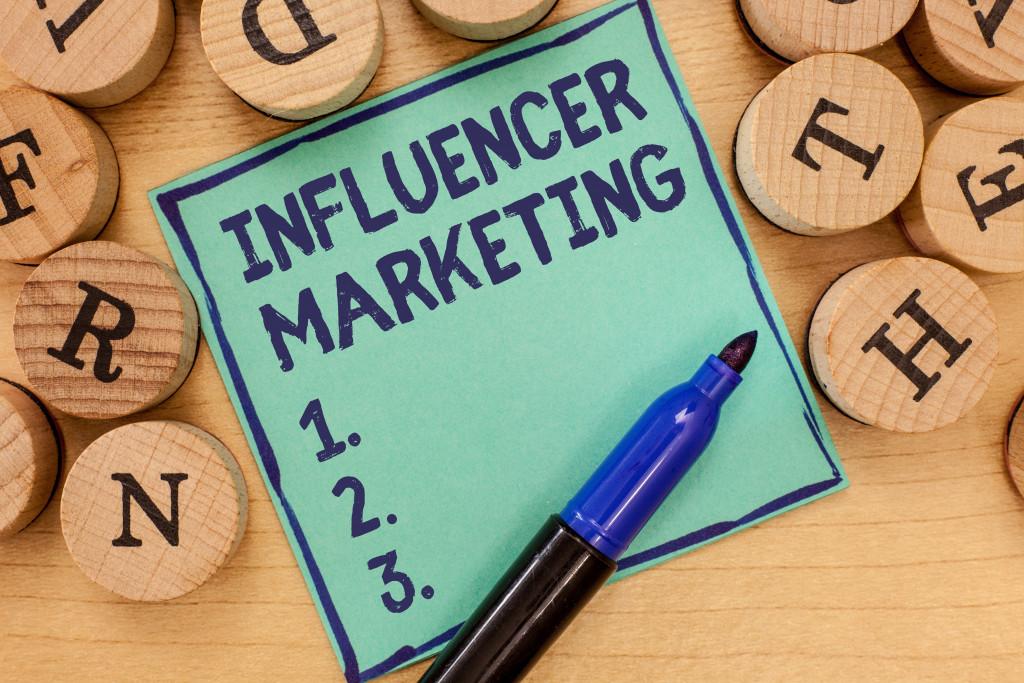 influencer marketing concept